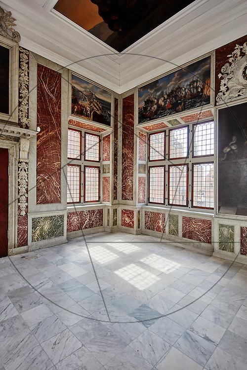 Frederiksborg Slot, audienssalen, vinduespudsning