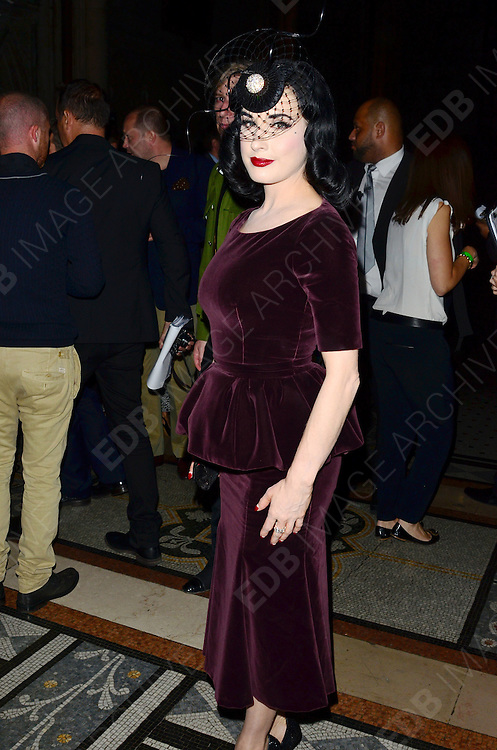16.SEPTEMBER.2012. LONDON<br /> <br /> DITA VON TEESE ATTENDS PHILIP TREACY'S LFW SHOW AT THE ROYAL COURTS OF JUSTICE. <br /> <br /> BYLINE: EDBIMAGEARCHIVE.CO.UK<br /> <br /> *THIS IMAGE IS STRICTLY FOR UK NEWSPAPERS AND MAGAZINES ONLY*<br /> *FOR WORLD WIDE SALES AND WEB USE PLEASE CONTACT EDBIMAGEARCHIVE - 0208 954 5968*
