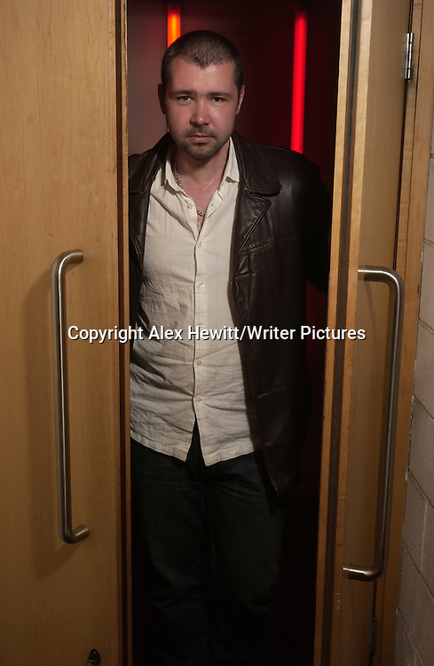 Steven Hall at the Debut Author Festival 2007.<br /> Traverse Theatre Edinburgh<br /> <br /> Copyright Alex Hewitt/Writer Pictures <br /> contact +44 (0)20 8241 0039 <br /> sales@writerpictures.com <br /> www.writerpictures.com