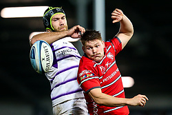 Freddie Clarke of Gloucester Rugby and Graham Kitchener of Leicester Tigers challenge for the ball - Mandatory by-line: Robbie Stephenson/JMP - 16/11/2018 - RUGBY - Kingsholm - Gloucester, England - Gloucester Rugby v Leicester Tigers - Gallagher Premiership Rugby