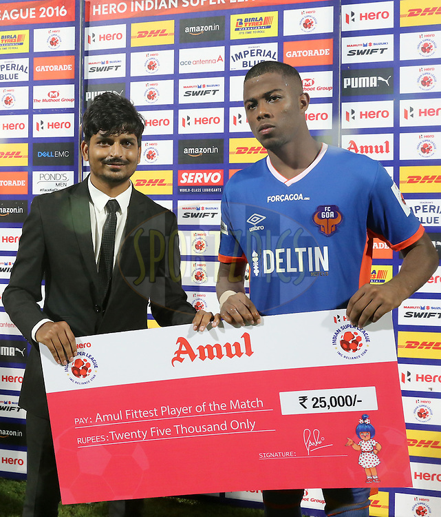 Trindade Goncalves of FC Goa receiving the Amul Fitness Player  of the Match during match 8 of the Indian Super League (ISL) season 3 between FC Goa and FC Pune City held at the Fatorda Stadium in Goa, India on the 8th October 2016.<br /> <br /> Photo by Faheem Hussain / ISL/ SPORTZPICS