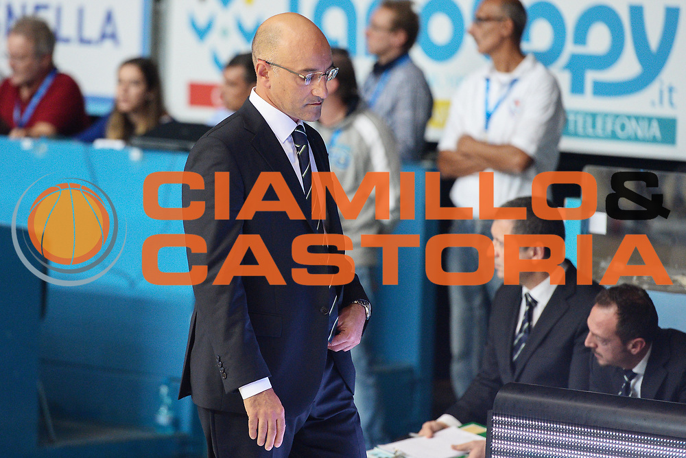 DESCRIZIONE : Cant&ugrave; Lega A 2014-15 Acqua Vitasnella Cant&ugrave; vs Sidiga Avellino<br /> GIOCATORE : Vitucci Francesco<br /> CATEGORIA : Fair Play<br /> SQUADRA : Sidigas Avellino<br /> EVENTO : Campionato Lega A 2014-2015<br /> GARA : Acqua Vitasnella Cant&ugrave; vs Sidigas Avellino<br /> DATA : 19/10/2014<br /> SPORT : Pallacanestro <br /> AUTORE : Agenzia Ciamillo-Castoria/I.Mancini<br /> Galleria : Lega Basket A 2014-2015<br /> Fotonotizia : Cant&ugrave; Lega A 2014-2015 Acqua Vitasnella Cant&ugrave; vs Sidigas Avellino<br /> Predefinita :