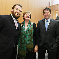 Mayor of Clare Madeline Taylor Quinn with Rugby Stars Marcus Horan and Anthony Foley at the Civic Reception for the Clare Rugby Heroes at Clare County Council on Monday evening.<br /> <br /> Photograph by Eamon Ward