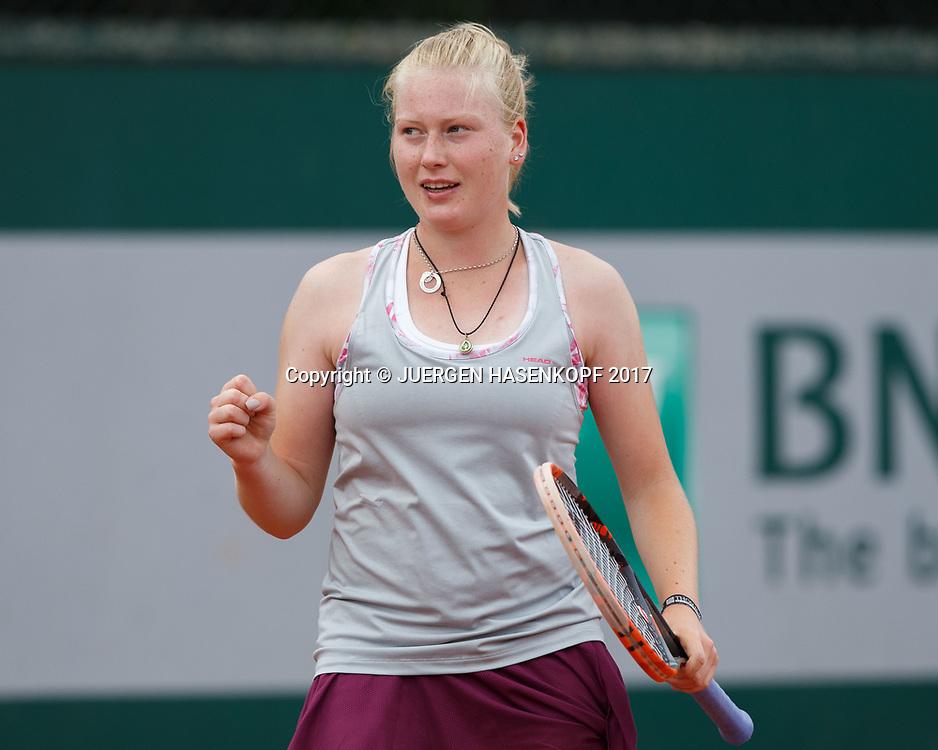 LARA SCHMIDT (GER)macht die Faust und jubelt,Jubel,Emotion, Junior Girls<br /> <br /> <br /> Tennis - French Open 2017 - Grand Slam / ATP / WTA / ITF -  Roland Garros - Paris -  - France  - 4 June 2017.