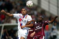 Fotball , 22 oktober 2005 , John CAREW -  Fc Metz / Lyon - 22.10.2005 - 12eme Journee de Ligue 1 - Stade Saint -Symphorien<br /> Photo : Digitalsport
