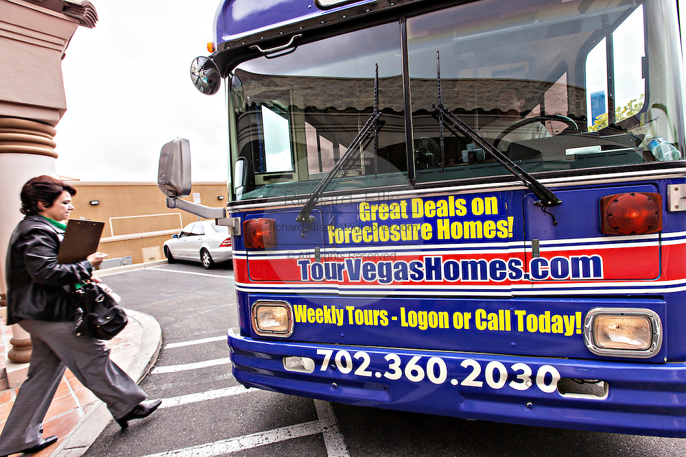 Foreclosure real estate bus tour in Las Vegas, NV.