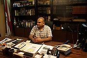 Rifaat Eid, leader of the Arab Democratic Party, in reality an armed Alawi militia. Separated by the Syria Street, the Sunni and Alawite came into a sectarian conflict, a spillover from Syria in Tripoli (Lebanon)..Rifaat Eid, leader du Partie Arabe Démocratique, en réalité un chef de milice armé alaouite. Séparés par la rue de Syrie, les communautés sunnites et alaouites sont entrées en conflit.