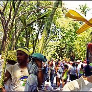 Los Palmeros de Chacao son herederos de una tradición que data de cerca de 1770, cuando el párroco José Antonio Mohedano, ante la recurrencia de la peste de la fiebre amarilla que azotaba el valle de Caracas, quiso solicitar clemencia a Dios con una promesa y envió a los peones de las haciendas cercanas a la montaña (Hoy Parque Nacional El Avila), a buscar la palma real para que bajaran sus hojas, evocando el pasaje bíblico de la entrada de Jesús a Jerusalén). Caracas 04 de abril del 2005. <br /> Photography by Aaron Sosa