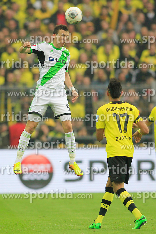 05.04.2014, Signal Iduna Park, Dortmund, GER, 1. FBL, Borussia Dortmund vs VfL Wolfsburg, 29. Runde, im Bild Ivan Perisic (VfL Wolfsburg #9) im Kopfballduell gegen Pierre-Emerick Aubameyang (Borussia Dortmund #17) // during the German Bundesliga 29th round match between Borussia Dortmund and VfL Wolfsburg at the Signal Iduna Park in Dortmund, Germany on 2014/04/05. EXPA Pictures &copy; 2014, PhotoCredit: EXPA/ Eibner-Pressefoto/ Schueler<br /> <br /> *****ATTENTION - OUT of GER*****