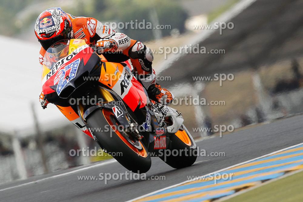 14.05.2011, Le Mans, FRA, MotoGP, Motomondiale Le Mans, im Bild Casey Stoner - Repsol Honda. EXPA Pictures © 2011, PhotoCredit: EXPA/ InsideFoto/ Semedia +++++ ATTENTION - FOR AUSTRIA/AUT, SLOVENIA/SLO, SERBIA/SRB an CROATIA/CRO CLIENT ONLY +++++