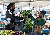 Bijlmermeer markt weekmarkt groentekraam wijk buurt