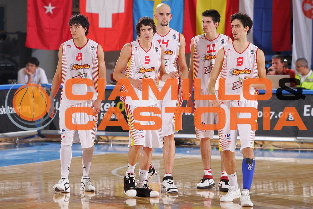 DESCRIZIONE : Gorizia U20 European Championship Men Semi-Final Spain Russia <br /> GIOCATORE : Team Spain <br /> SQUADRA : Spain <br /> EVENTO : Gorizia U20 European Championship Men Semi-Final Spain Russia Campionato Europeo Maschile Under 20 Semifinale Spain Russia <br /> GARA : Spain Russia <br /> DATA : 14/07/2007 <br /> CATEGORIA : Ritratto <br /> SPORT : Pallacanestro <br /> AUTORE : Agenzia Ciamillo-Castoria/S.Silvestri <br /> Galleria : Europeo Under 20 <br /> Fotonotizia : Gorizia U20 European Championship Men Semi-Final Spain Russia <br /> Predefinita :