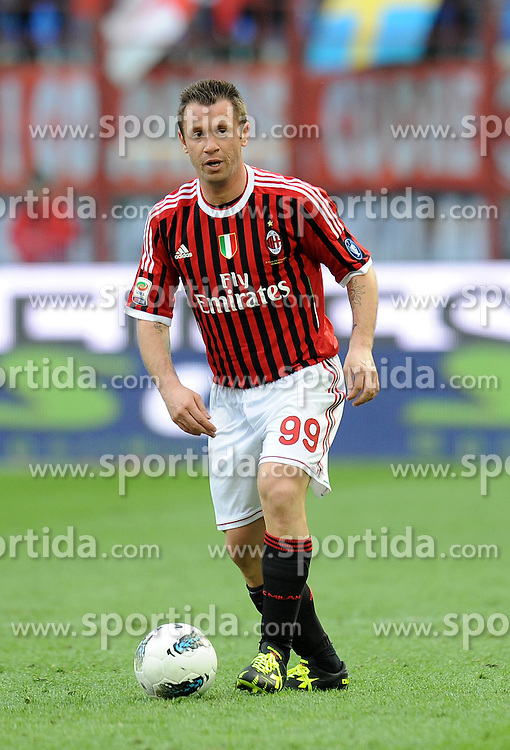 07.04.2012, Stadion Giuseppe Meazza, Mailand, ITA, Serie A, AC Mailand vs AC Florenz, 31. Spieltag, im Bild Antonio CASSANO (Milan) // during the football match of Italian 'Serie A' league, 31th round, between AC Mailand and AC Florenz at Stadium Giuseppe Meazza, Milan, Italy on 2012/04/07. EXPA Pictures © 2012, PhotoCredit: EXPA/ Insidefoto/ Alessandro Sabattini..***** ATTENTION - for AUT, SLO, CRO, SRB, SUI and SWE only *****
