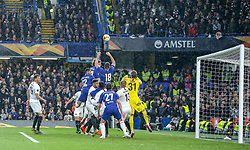 09.05.2019, Stamford Bridge, London, ENG, UEFA EL, FC Chelsea vs Eintracht Frankfurt, Halbfinale, Rückspiel, im Bild Olivier Giroud of Chelsea goes up for a corner against Eintracht Frankfurt // Olivier Giroud of Chelsea goes up for a corner against Eintracht Frankfurt during the UEFA Europa League semifinal 2nd leg match between FC Chelsea and Eintracht Frankfurt at the Stamford Bridge in London, Great Britain on 2019/05/09. EXPA Pictures © 2019, PhotoCredit: EXPA/ Focus Images/ Steve O'Sullivan<br /> <br /> *****ATTENTION - for AUT, GER, FRA, ITA, SUI, POL, CRO, SLO only*****