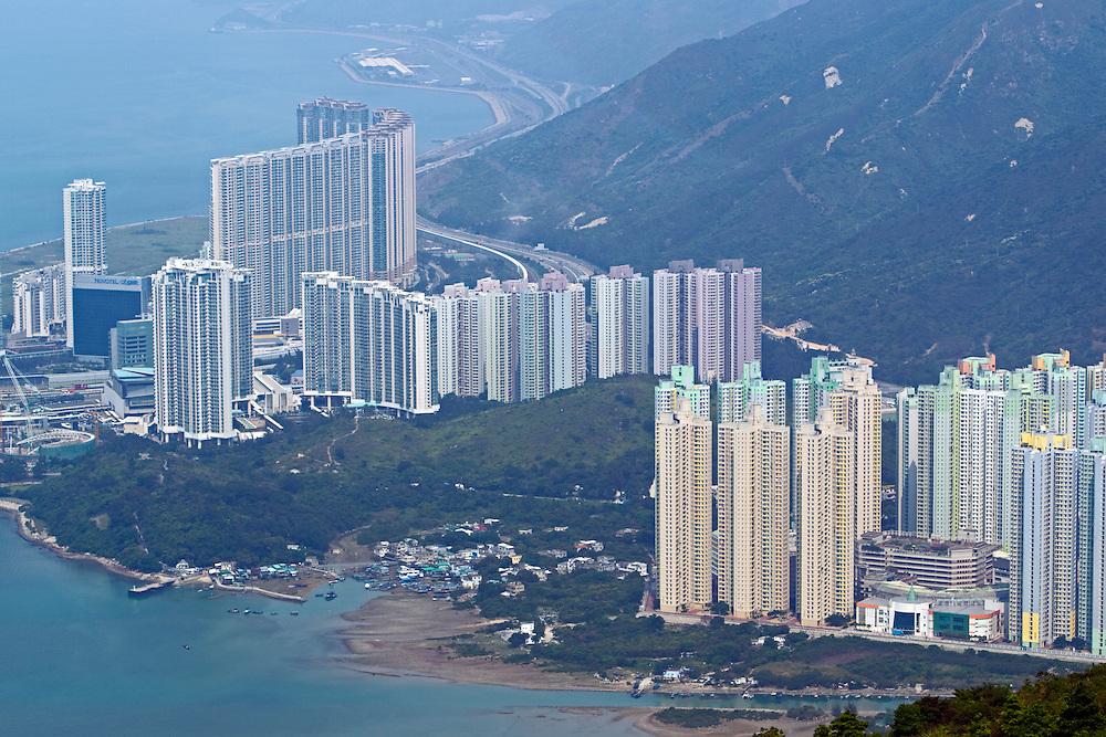 Tung Chung, apartments, Lantau Island, Hong Kong, SAR of China, Sunday, March 28, 2010.  Credit:SNPA / David Rowland