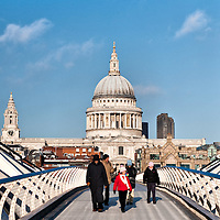 London December 25  A sunny Christmas day in London. Worshippers from St Paul Cathedral walk over the Millennium Bridge after the Christmas Service...***Agreed Fee's Apply To All Image Use***.Marco Secchi /Xianpix. tel +44 (0) 771 7298571. e-mail ms@msecchi.com .www.marcosecchi.com