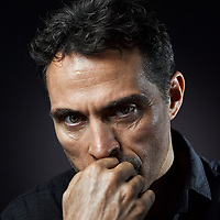 Portrait Sitting with Actor Rufus Sewell. The sitting had been on the cards for quite some time and I was lucky Rufus was in town on a break from filming The Man In The High Castle. I'm only sharing one portrait from the sitting as the below has been acquired by The National Portrait Gallery in London. The shoot was very memorable, I've admired his work for many years and the chance to direct and photograph Rufus was a wonderful experience. The other portraits will be displayed at an exhibition of my work next year so stay tuned.
