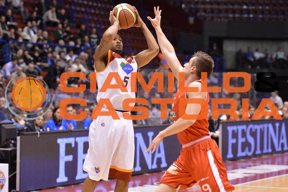 DESCRIZIONE : Milano Coppa Italia Final Eight 2013 semifinale Cimberio Varese Acea Roma<br /> GIOCATORE : Phil Goss<br /> CATEGORIA : tiro<br /> SQUADRA : Acea Roma<br /> EVENTO : Beko Coppa Italia Final Eight 2013<br /> GARA : Cimberio Varese Acea Roma<br /> DATA : 09/02/2013<br /> SPORT : Pallacanestro<br /> AUTORE : Agenzia Ciamillo-Castoria/GiulioCiamillo<br /> Galleria : Lega Basket Final Eight Coppa Italia 2013<br /> Fotonotizia : Milano Coppa Italia Final Eight 2013 semifinale Cimberio Varese Acea Roma<br /> Predefinita :