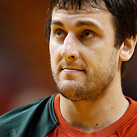 22 January 2012: Milwaukee Bucks center Andrew Bogut (6) warms up prior to the Milwaukee Bucks 91-82 victory over the Miami Heat at the AmericanAirlines Arena, Miami, Florida, USA.