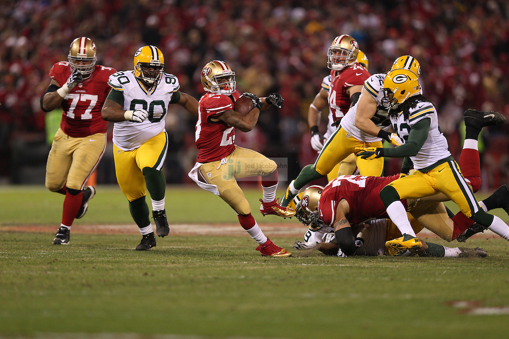 San Francisco 49ers running back LaMichael James (23) runs during a NFL Divisional playoff game against the Green Bay Packers at Candlestick Park in San Francisco, Calif., on Jan. 12, 2013. The 49ers defeated the Packers 45-31. (AP Photo/Jed Jacobsohn)