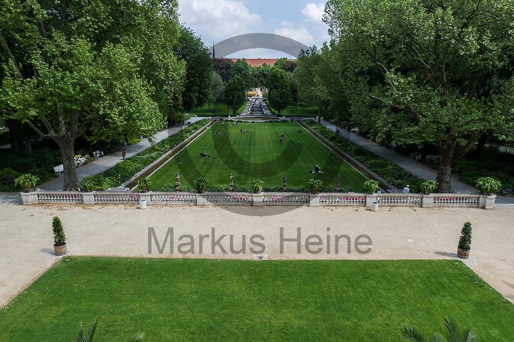 Blick in den K&ouml;rnerpark am 18.05.2016 in Berlin, Deutschland. Die 1916 fertiggestellte Parkanlage im Stadtteil Neuk&ouml;lln feiert dieses Jahr mit einem 100 t&auml;gigen Fest sein 100 j&auml;hriges Bestehen. Foto: Markus Heine / heineimaging<br /> <br /> ------------------------------<br /> <br /> Ver&ouml;ffentlichung nur mit Fotografennennung, sowie gegen Honorar und Belegexemplar.<br /> <br /> Bankverbindung:<br /> IBAN: DE65660908000004437497<br /> BIC CODE: GENODE61BBB<br /> Badische Beamten Bank Karlsruhe<br /> <br /> USt-IdNr: DE291853306<br /> <br /> Please note:<br /> All rights reserved! Don't publish without copyright!<br /> <br /> Stand: 05.2016<br /> <br /> ------------------------------w&auml;hrend der Buchvorstellung und Podiumsdiskussion: &quot;IS und Al-Qaida&quot; am 18.05.2016 in Berlin, Deutschland. Bei der Podiumsdiskussion beantworten die jordanischen Islamismus-Experten die wichtigsten Fragen nach Unterschieden und Verh&auml;ltnis zwischen dem sogenannten &quot;Islamischen Staat&quot; und dem Al-Qaida-Netzwerk. Foto: Markus Heine / heineimaging<br /> <br /> ------------------------------<br /> <br /> Ver&ouml;ffentlichung nur mit Fotografennennung, sowie gegen Honorar und Belegexemplar.<br /> <br /> Bankverbindung:<br /> IBAN: DE65660908000004437497<br /> BIC CODE: GENODE61BBB<br /> Badische Beamten Bank Karlsruhe<br /> <br /> USt-IdNr: DE291853306<br /> <br /> Please note:<br /> All rights reserved! Don't publish without copyright!<br /> <br /> Stand: 05.2016<br /> <br /> ------------------------------