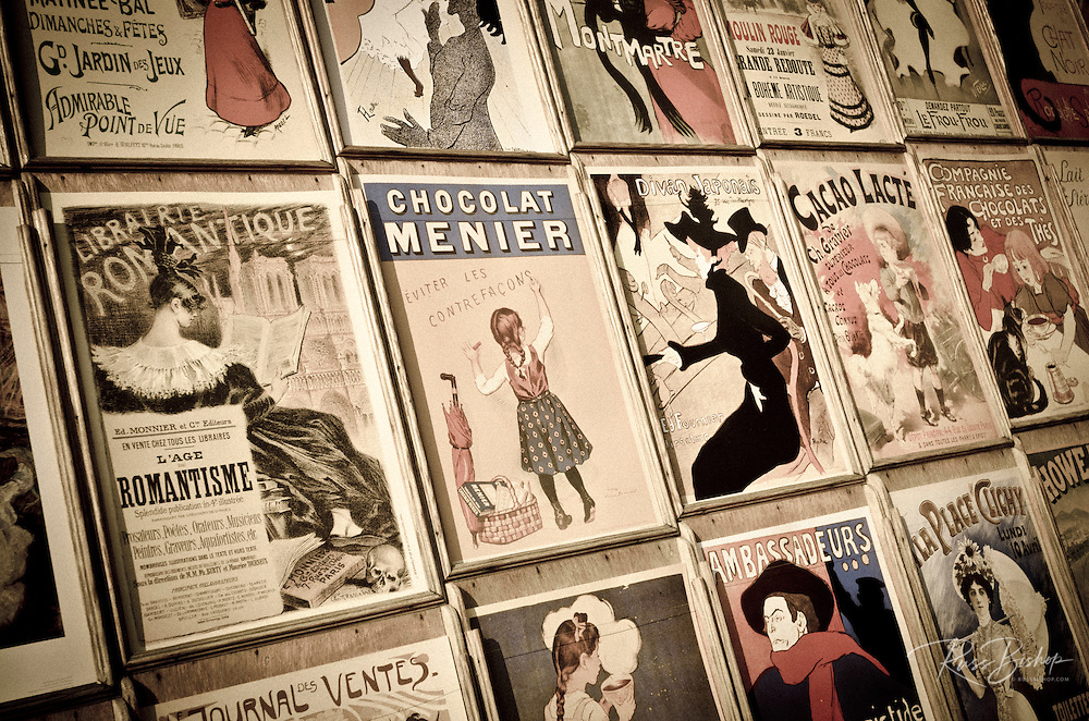 Antique prints for sale in Montmartre, Paris, France