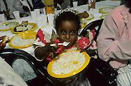 """arrival of new immigrants from Ethiopia, """"Falashmuras"""": Christians converted to Judaism  givaat amatos, Jerusalem  Israel     /// arrivee de nouveau amigrants  """"Falashmuras"""" d'Etiopie   givaat amatos, Jerusalem  Israel Chretiens  du Gundar en cours de conversion au judaisme descendant de la tribu de Dan  /// R00287/    L004319  /  P0007185"""