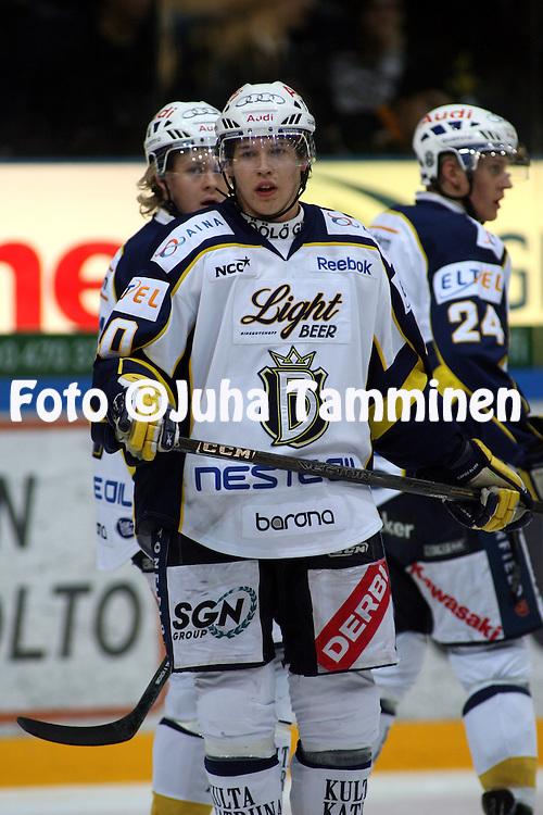 27.10.2009, Hakamets?n j??halli, Tampere..J??kiekon SM-liiga 2009-10.Ilves - Blues.Jere Sallinen - Blues.©Juha Tamminen.