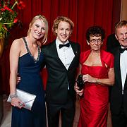 NLD/Amsterdam/20121218 - NOC/NSF Sportgala 2012, Epke Zonderland en partner Linda Steen en zijn ouders