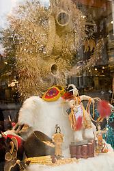 Vitrina de uma loja na cidade de Quebec, Canada/ Store window at Quebec, Canada