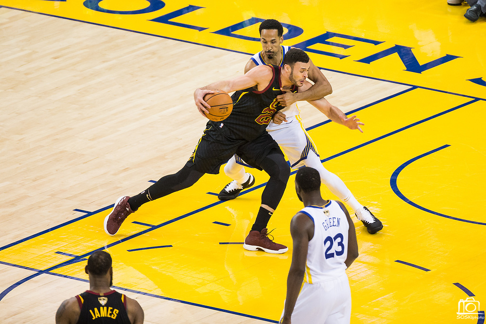 Golden State Warriors guard Shaun Livingston (34) fouls Cleveland Cavaliers forward Larry Nance Jr. (22) during Game 1 of the NBA Finals at Oracle Arena in Oakland, Calif., on May 31, 2018. (Stan Olszewski/Special to S.F. Examiner)