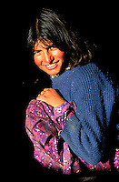 Pakistan, Territoires disputés, Passu, Region de Hunza, jeune fille Hunza / Hunza woman, Hunza valley, Passu, North Pakistan