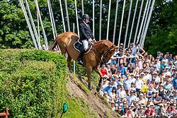 WHITAKER James (GBR), Glenavadra Brilliant<br /> Hamburg - 90. Deutsches Spring- und Dressur Derby 2019<br /> J.J.Darboven präsentiert: <br /> 90. Deutsches Spring-Derby<br /> Bemer Riders Tour - Wertungsprüfung 3. Etappe <br /> CSI4* - Derby Tour Springprüfung mit Stechen<br /> 02. Juni 2019<br /> © www.sportfotos-lafrentz.de/Stefan Lafrentz