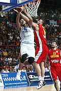 DESCRIZIONE : Bari Qualificazioni Europei 2011 Italia Montenegro<br /> GIOCATORE : Marco Belinelli<br /> SQUADRA : Nazionale Italia Uomini <br /> EVENTO : Qualificazioni Europei 2011<br /> GARA : Italia Montenegro<br /> DATA : 26/08/2010 <br /> CATEGORIA : tiro penetrazione<br /> SPORT : Pallacanestro <br /> AUTORE : Agenzia Ciamillo-Castoria/C.De Massis<br /> Galleria : Fip Nazionali 2010 <br /> Fotonotizia : Bari Qualificazioni Europei 2011 Italia Montenegro<br /> Predefinita :