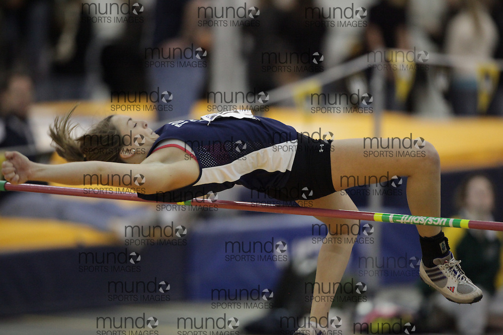 Windsor, Ontario ---12/03/09--- Juliana Bergin of  the University of Toronto competes in the women's pentathlon high jump at the CIS track and field championships in Windsor, Ontario, March 12, 2009..GEOFF ROBINS Mundo Sport Images