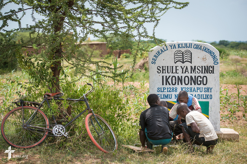 Workers rest during construction of the Ikonongo Lutheran Church of the Evangelical Lutheran Church in Tanzania – South-East of Lake Victoria Diocese (ELCT-SELVD on Friday, March 13, 2015, in Shinyanga region, Tanzania. LCMS Communications/Erik M. Lunsford