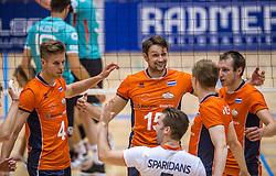 04-06-2016 NED: Nederland - Duitsland, Doetinchem<br /> Nederland speelt de tweede oefenwedstrijd in Doetinchem en verslaat Duitsland opnieuw met 3-1 / Thomas Koelewijn #15, Wouter ter Maat #16, Thijs ter Horst #4
