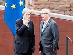 26.05.2017, Taormina, ITA, 43. G7 Gipfel in Taormina, im Bild v.l. Italiens Premierminister Paolo Gentiloni, Präsident der EU-Kommission Jean-Claude Juncker // f.l. Italy's Prime Minister Paolo Gentiloni President of the European Commission Jean-Claude Juncker during the 43rd G7 summit in Taormina, Italy on 2017/05/26. EXPA Pictures © 2017, PhotoCredit: EXPA/ Johann Groder