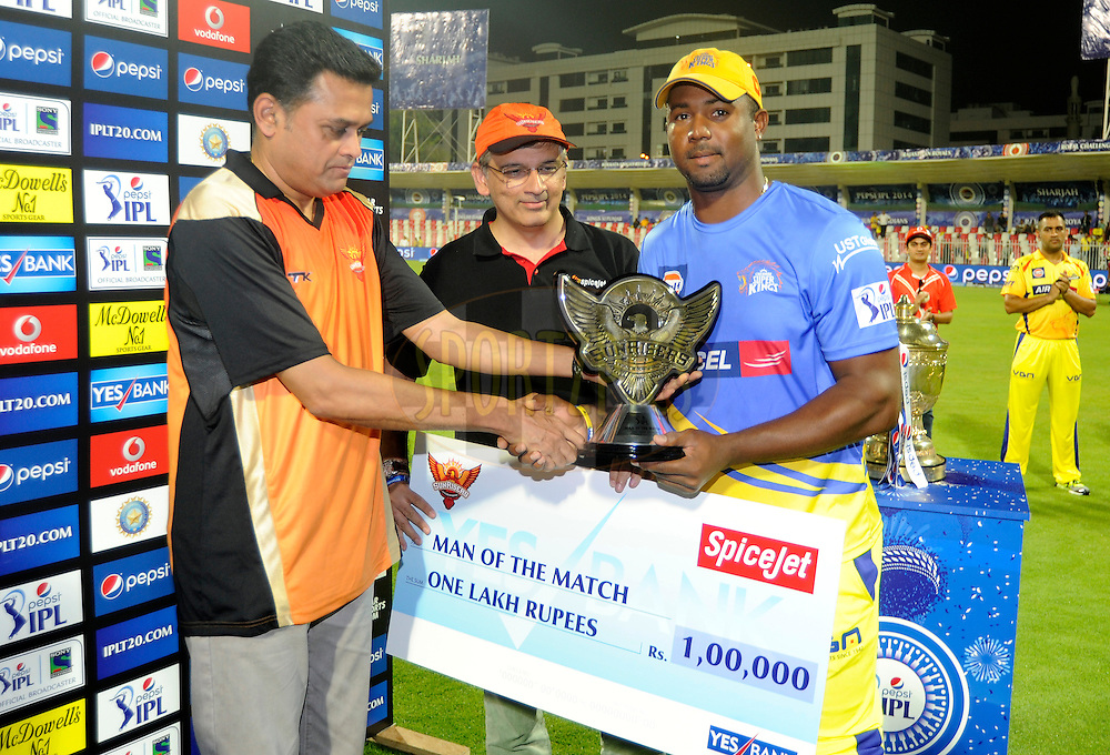 Dwayne Smith of The Chennai Superkings receives the man of the match award during the presentation after match 16 of the Pepsi Indian Premier League 2014 between the Delhi Daredevils and the Mumbai Indians held at the Sharjah Cricket Stadium, Sharjah, United Arab Emirates on the 27th April 2014<br /> <br /> Photo by Pal Pillai / IPL / SPORTZPICS