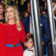 NLD/Amsterdam/20170321 - Chantal Janzen lanceert mediaplatform &C, Chantal Janzen met haar zoon James