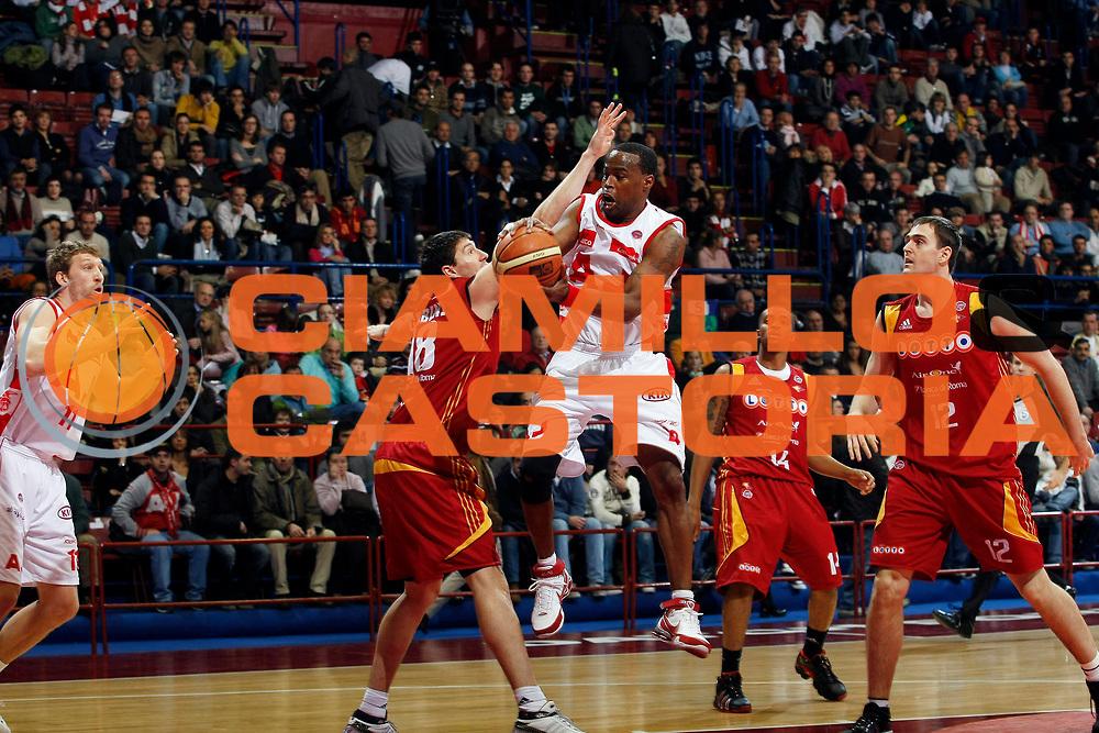 DESCRIZIONE : Milano Lega A1 2007-08 Armani Jeans Milano Lottomatica Virtus Roma<br /> GIOCATORE : Melvin Booker<br /> SQUADRA : Armani Jeans Milano<br /> EVENTO : Campionato Lega A1 2007-2008<br /> GARA : Armani Jeans Milano Lottomatica Virtus Roma<br /> DATA : 18/11/2007<br /> CATEGORIA : Passaggio<br /> SPORT : Pallacanestro<br /> AUTORE : Agenzia Ciamillo-Castoria/G.Cottini<br /> Galleria : Lega Basket A1 2007-2008<br /> Fotonotizia : Milano Campionato Italiano Lega A1 2007-2008 Armani Jeans Milano Lottomatica Virtus Roma<br /> Predefinita :