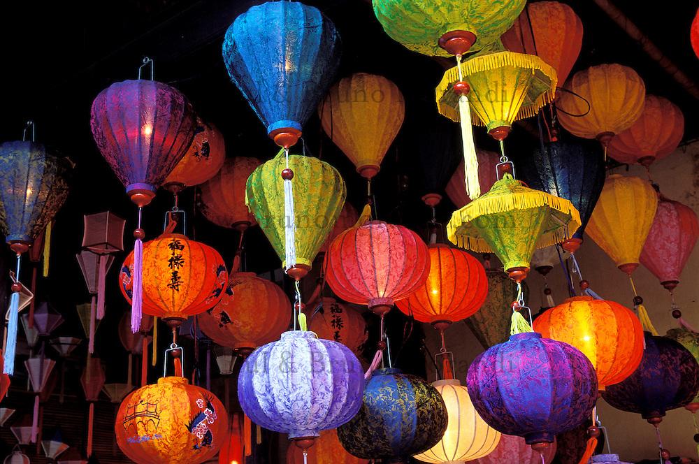 Vietnam. Hoi Han. Lanternes. // Vietnam. Hoi Han. Lantern, lamp.