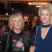 NLD/Rijswijk/20190218 - inloop Première Medisch Centrum Best, Femke van Assouw en haar moeder