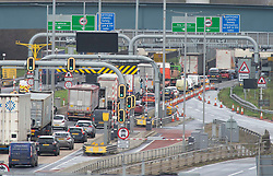 ©Licensed to London News Pictures 19/12/2019. <br /> Dartford ,UK. Queuing traffic on the A282 Dartford crossing Tunnel approach, Dartford, Kent. Motorists are facing heavy traffic today as people try to make an early Christmas getaway on the roads. Photo credit: Grant Falvey/LNP