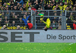 15.02.2014, Signal Iduna Park, Dortmund, GER, 1. FBL, Borussia Dortmund vs Eintracht Frankfurt, 21. Runde, im Bild Pierre-Emerick Aubameyang (Borussia Dortmund #17) beim Torjubel, Salto nach seinem Treffer zum 2:0, Emotion, Freude, Glueck, Positiv, Einzelbild // during the German Bundesliga 21th round match between Borussia Dortmund and Eintracht Frankfurt at the Signal Iduna Park in Dortmund, Germany on 2014/02/15. EXPA Pictures © 2014, PhotoCredit: EXPA/ Eibner-Pressefoto/ Schueler<br /> <br /> *****ATTENTION - OUT of GER*****