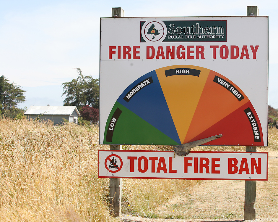 A total fire ban has been issued with the fire danger in Southland  reaching extreme, Invercargill, New Zealand, Monday, January 09, 2012. Credit:SNPA / Dianne Manson.