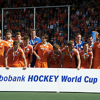 DEN HAAG - Rabobank Hockey World Cup<br /> 38 Final: Australia - Netherlands<br /> Australia wins and is World Champion.<br /> Foto: Dutch team.<br /> COPYRIGHT FRANK UIJLENBROEK FFU PRESS AGENCY