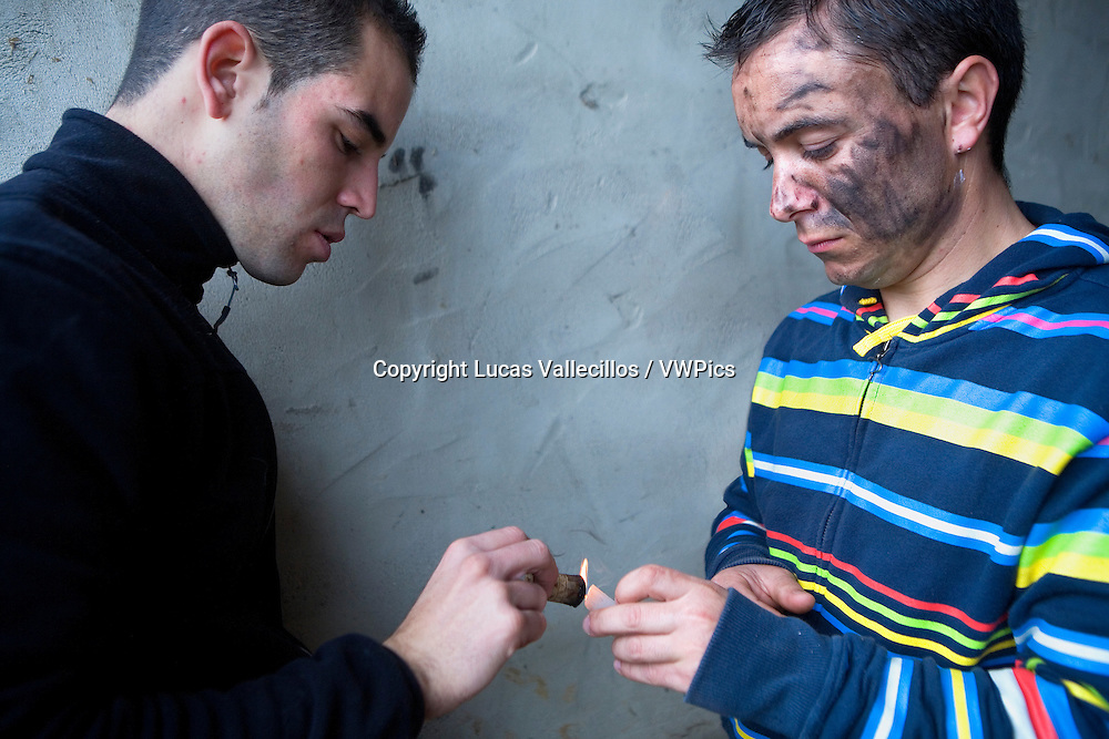 `La Vijanera´carnival,preparing the carnival, Putting makeup, Silio, Molledo. Cantabria, Spain.
