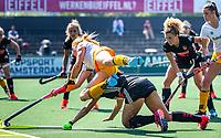 AMSTERDAM - EuroHockey Club Cup 2019 Women, halve finale,   HC Den Bosch-Amsterdam .  Margot van Geffen (DBO) gaat neer over Leiah Brigitha (A'dam) ANP COPYRIGHT  KOEN SUYK