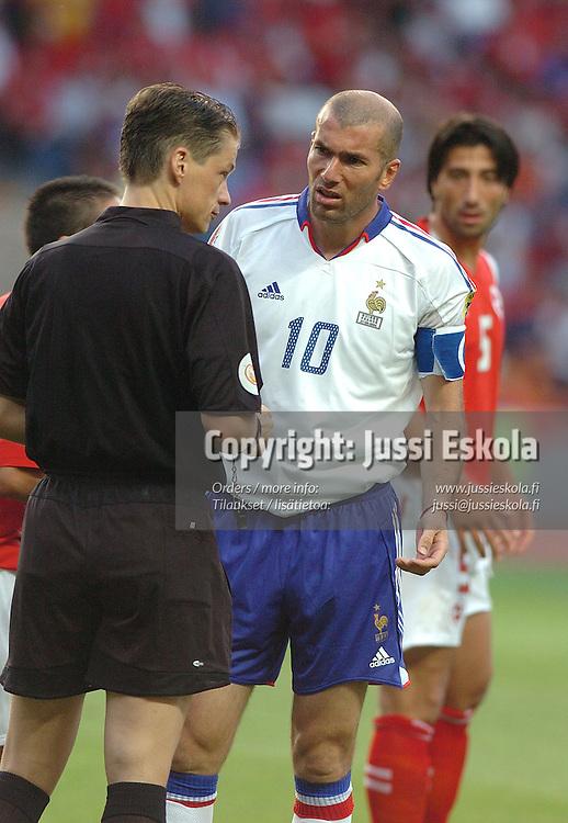 Zinedine Zidane, France-Swizerland 21.6.2004.&amp;#xA;Euro 2004.&amp;#xA;Photo: Jussi Eskola<br />